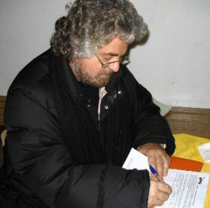 The italian famous Comedian Beppe Grillo subscribes the petition